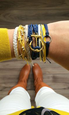 Blue and yellow is my favorite color scheme.- Navy and Yellow Accessories - Pura Vida Bracelets. Yellow Accessories, Jewelry Accessories, Fashion Accessories, Fashion Jewelry, Pura Vida Bracelets, Ankle Bracelets, Bracelets For Men, Beachy Bracelets, Bracelet Making