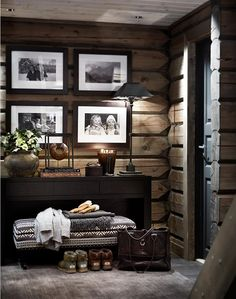 There are numerous ways to make your home interior design look more interesting, one of them is using cabin style design. With this inspiring gallery you can make fantastic cabin style in your home. Chalet Design, House Design, Wall Design, Design Design, Cabin Design, Design Styles, Casa Hipster, Chalet Interior, Cabin Interior Design