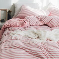 Click the picture and you will see an elegant duvet cover set.