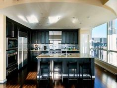 http://www.hgtv.com/design/celebrity/tour-the-penthouse-of-atlanta-brave-dan-uggla-pictures