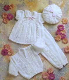 Vintage Baby Pattern Knitted DK Dress Beret Leggings par carolrosa