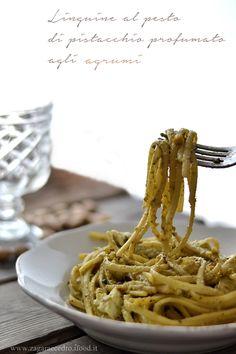 Linguine al Pesto di Pistacchio profumato agli agrumi http://www.zagaraecedro.ifood.it/2016/06/linguine-al-pesto-di-pistacchio-profumato-agli-agrumi.html