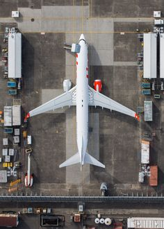 Mike Kelley is a Los Angeles based artist specializing in architectural, aerial, and aviation photography. Airplane Photography, Aerial Photography, Airplane Wallpaper, Passenger Aircraft, Aerial Drone, Pilot Gifts, Birds Eye View, Aerial View, Airplanes