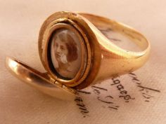 ANTIQUE VICTORIAN 18CT GOLD MEN's PINKIE LOCKET SIGNET RING - RARE UK O US 7