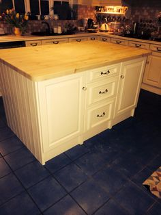 Beautiful hand made kitchen island: http://www.pinefurniturecornwall.co.uk/search.asp?types=Pine+Kitchens