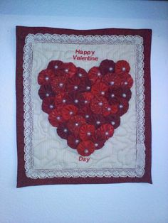 Yo Yo Valentines - winner of Craftsy Valentine contest - pretty! Quilting Projects, Craft Projects, Sewing Projects, Quilting Ideas, Quilt Patterns, Valentine Decorations, Valentine Crafts, Yo Yo Quilt, Sewing Crafts