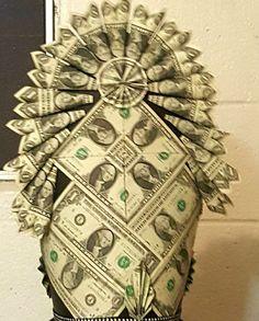 Origami Money Flowers, Money Origami, Graduation Leis, Graduation Decorations, Money Lei, Gift Money, Money Cake, Crown Money, Money Creation