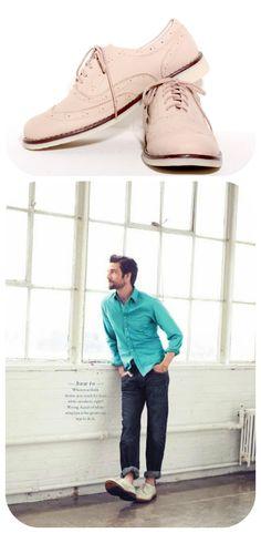 Los zapatos casuales CluBison son esenciales para el guardarropa de todo hombre, hacen parte de una vestimenta moderna y fresca, convirtiéndose en la mejor herramienta que un hombre tiene para expresar su estilo.