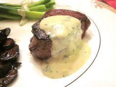 Enjoy the Oscars in Style: Black Truffle Popcorn and Filet Mignon with Gorgonzola Sauce! Steak Recipes, Sauce Recipes, Cooking Recipes, Cooking Time, Yummy Recipes, Yummy Food, Sauces, Blue Cheese Sauce, Healthy Recipes