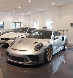 Developing technology and new cars technologies, actual car news, of your car problems and solutions. All of them and more than on begescars. Porsche 991 Gt3, Top Luxury Cars, Porsche Design, Hot Cars, Custom Cars, Exotic Cars, Super Cars, Cars Auto, Ferrari Car