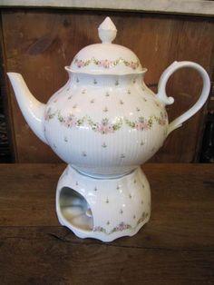 Tee- & Kaffeekannen - Romantische Teekanne mit Stövchen von KAISER - ein Designerstück von Schariwari-altes-und-kurioses bei DaWanda