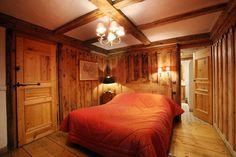 Magnifique chambre dans un superbe châlet en bois.