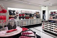 Victoria's Secret flagship store in Manhattan 2008