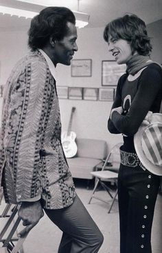 CA — Mick Jagger of the Rolling Stones with Rock 'n' Roll legend Chuck Berry, here backstage. At earlier shows through the South on the Let It Bleed North American tour, Chuck Berry (Keith Richards' hero) opened for the Stones. The Rolling Stones, Beatles, Heavy Metal, Janis Joplin, Pop Rock, Rock And Roll, Melanie Hamrick, Photos Rares, Legendary Pictures