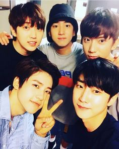 B1A4_ they came to watch Cnu's Hamlet