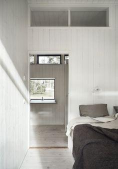 Skogshuset vid stranden, Gotland – M.Arkitektur Scandinavian Cottage, Haus Am See, Rest House, Bedroom Inspo, My Dream Home, Modern Architecture, House Ideas, Interior Design, Home Decor