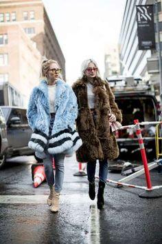 Queda abierta la veda fashion en busca del abrigo de pelo perfecto. ¿El sobresaliente? Por debajo de... - AR Revista