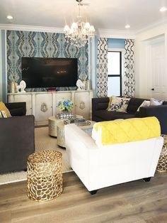 soaring ceilings | natural wood floors | natural light | modern furnishings | Florida home | entryway