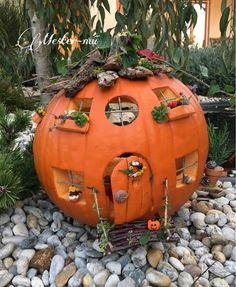 Best 12 27 Halloween Kids Crafts die niedlicher als Spooky sind – SkillOfKing. Halloween Diorama, Halloween Fairy, Halloween Tags, Holidays Halloween, Halloween Crafts, Halloween Pumpkin Designs, Diy Halloween Decorations, Halloween Pumpkins, Yeux Halloween