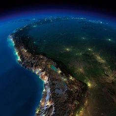 Perú visto desde el espacio La enorme Cordillera de los Andes