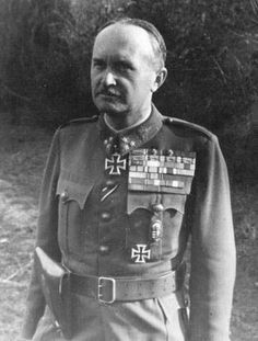 József Vitéz Heszlényi