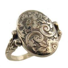 [ Accessory: Silver Victorian ring ]