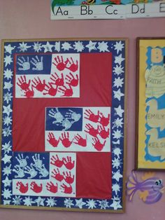 Project I did with my preschoolers for 4th of July Hand Print Flags also my border was helped via kids!