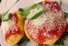 Vi regalo un'emozione. La Pizzeria Oliva - Da Carla e Salvatore Regina della Sanità!  http://www.ditestaedigola.com/pizzeria-carla-e-salvatore-oliva-alla-sanita-tornare-ragazzi-grazie-ad-un-grande-pizzaiolo/…