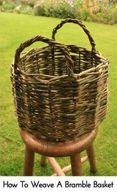 """How to Weave a Bramble Willow Basket Homesteading - The Homestead Survival .Com """"Please Share This Pin"""" Bramble, Basket Weaving Patterns, Making Baskets, Willow Weaving, Creation Deco, Homestead Survival, Survival Gear, Survival Shelter, Survival Guide"""