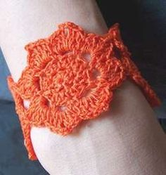 Crocheted Lotus Flower Cuff - Free Crochet Pattern. Thanks so for the share xox