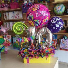 Buenos días! Hermoso arreglo para Valentina ✨ en su cumpleaños #10 Happy 15th Birthday, Birthday Party For Teens, Friend Birthday, Unicorn Birthday, Balloon Box, Balloon Gift, Balloon Bouquet, Gift Bouquet, Candy Bouquet