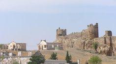 Vista del castillo del Berrueco en término de #Torredelcampo.  Allí pernoctó el Maestre de Calatrava antes de su boda con Isabel de Castilla, y murió antes del enlace