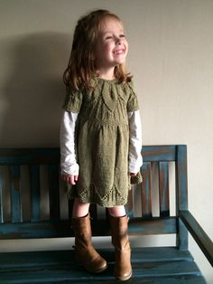 Beautiful girl dress, hand knitted. Its made entirely of cotton. Ideal to wear it in autumn or spring with nothing else, or in winter with a t-shirt and tights.  Sizes/: 3 months 6 months 1 year 2 years 6 years  Specify size when ordering