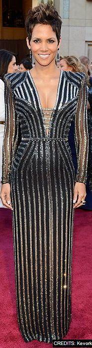 Si este vestido le saca barriga a esta.. Imagínate a mí! Pero lovely all the same.