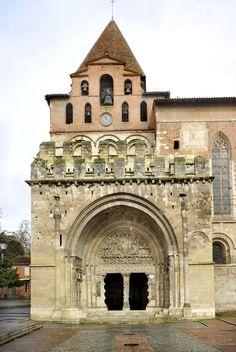 Portail de l'abbatiale Saint-Pierre de Moissac (Tarn-et-Garonne), vers 1110-1130. Romanesque Art, Romanesque Architecture, Church Architecture, Historical Architecture, Forma Circular, Art Roman, Carolingian, Iglesias, Pyrenees
