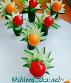 Essen dekorationen Gurken Audio Books - Every Parents Dream Come True Audio books are dearly loved b Vegetable Decoration, Food Decoration, Fruit And Vegetable Carving, Veggie Tray, Veggie Food, Amazing Food Art, Creative Food Art, Food Art For Kids, Food Carving