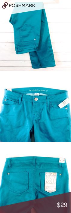 """Celebrity Pink Teal Skinny Jean Sz 9 NWT Brand new with tags.  NWT. Gorgeous teal Jean by Celebrity Pink from Dillard's. Size 9  Waist 14.5"""" across.  Inseam 31"""".  ✔️Please ask all questions before you purchase! I'm happy to help! 🔹No trades or holds, but I happily consider offers via the Offer Button! 🔹Bundle for best prices. Use bundle button feature or ask for custom bundle!  💙Happy Poshing! Celebrity Pink Jeans Skinny"""
