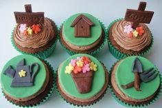 Chocolate cupcakes with garden inspired toppers. Fondant Cupcakes, Fun Cupcakes, Chocolate Cupcakes, Cupcake Cookies, Cupcake Bakery, Cupcake Tumblr, Yolo, Ninja Cake, Garden Cupcakes