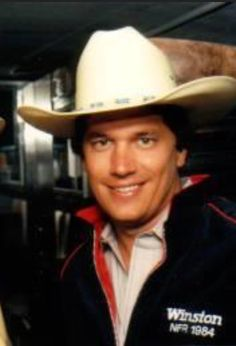 George Strait ♥️ Country Musicians, Country Singers, George Strait Family, Joyce Taylor, Donny Osmond, Lucky Ladies, Army Veteran, King George, American Singers