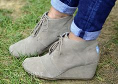539ae8379fc How to Wear Ankle Boots Toms Desert Booties Toms Desert Wedges