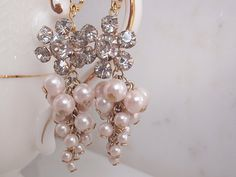 Cluster earrings.
