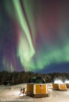 Nordlichter über Glasiglus in Rovaniemi in Lappland