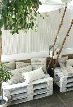 great idea for cheap seating on the patio