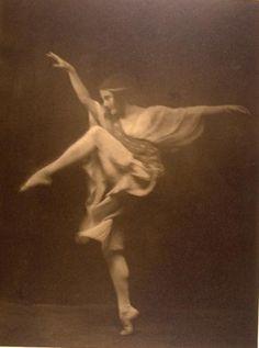 Anna Pavlova, photo Arnold Genthe