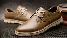 Zapatos para caballeros, de 21.61 euros http://detail.tmall.com/item.htm?spm=a2106.m896.1000384.1.0DV7Jz&id=35492151973&source=dou&_u=h10l44d646ca&scm=1029.newlist-0.bts1.50016853&ppath=&sku=&ug= si queria comprar, pegar el link en www.newbuybay.com para hacer pedidos