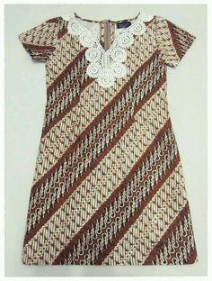 Sogan dress Batik Fashion, Batik Dress, Kebaya, Java, Traditional Outfits, Ikat, African Fashion, Affair, Designer Dresses