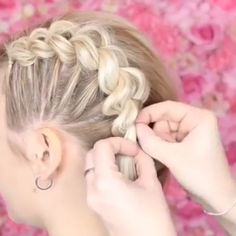 Wedding Hairstyles Suelto Corto is part of Best Wedding Hairstyles Peinados De Novia Images In - Who remembers the braids hairtutorial hairstyles hair hairart Braided Hairstyles Tutorials, Box Braids Hairstyles, Girl Hairstyles, Wedding Hairstyles, Hair With Braids, Teenage Hairstyles, Hairstyles Videos, Hair Tutorials, Curly Hair Styles