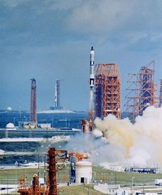 Moon Missions, Apollo Missions, Nasa Missions, Sistema Solar, Kennedy Space Center Launch, Cosmos, Flight Facilities, Project Gemini, Nasa Space Program