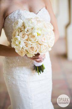 chez rose white bride floral bouquet wedding day florals