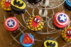 Super Hero Cupcakes with instructions!